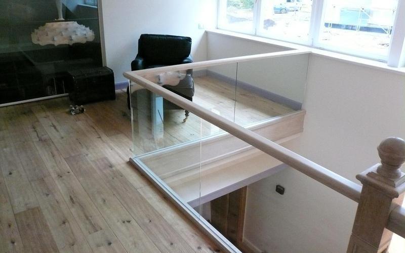 Tranzparenz durch Glasgeländer
